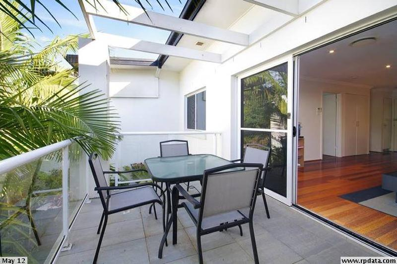 11/60-62 Old Pittwater Rd, Brookvale NSW 2100-1