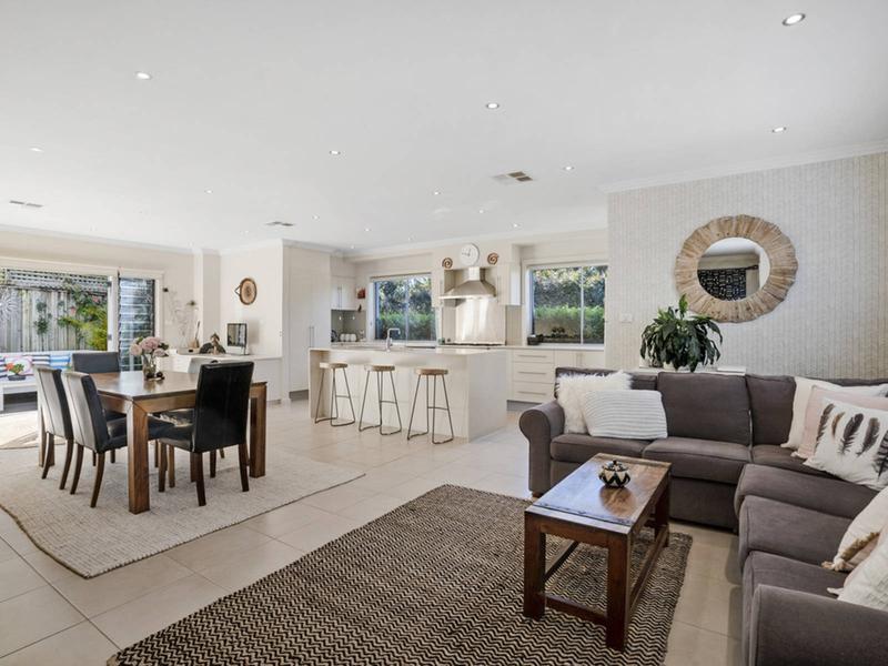 1/125 Darley Street West, Mona Vale NSW 2103-1