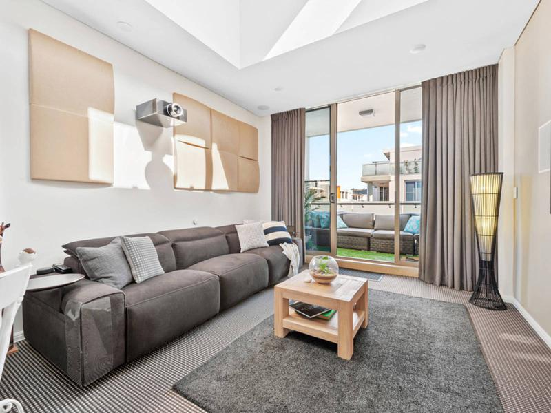 216/3 Mallard Lane, Warriewood NSW 2102-1