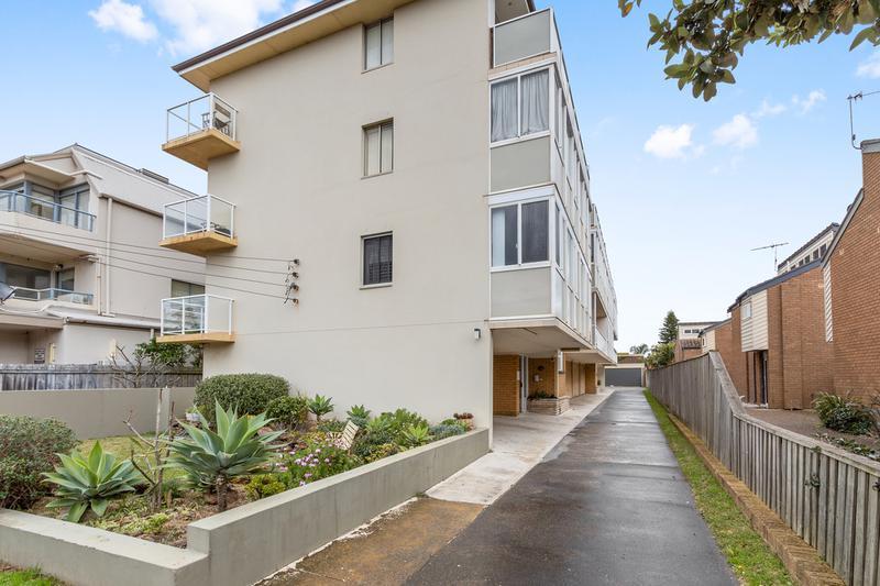 3/104 Ocean Street, Narrabeen NSW 2101-1