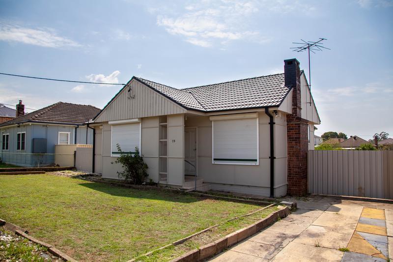 19 Gregory Street, Yagoona NSW 2199-1