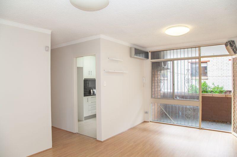 2/7-17 Edwin Street, Regents Park NSW 2143-1