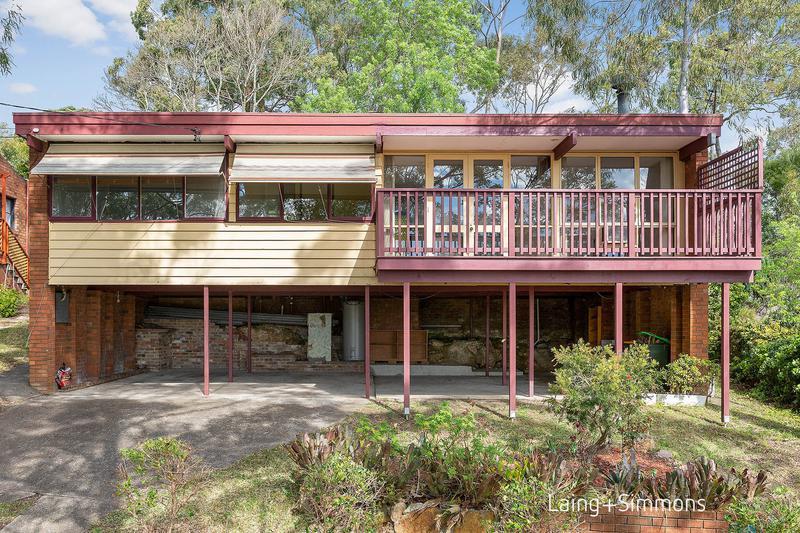 8 Janita Crescent, MOUNT COLAH NSW 2079-1