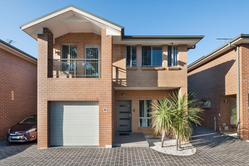 8/41 Rosebrook Avenue, Kellyville Ridge NSW 2155-1