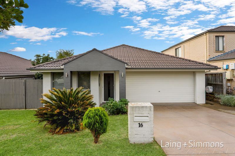 16 Kentmere Street, Stanhope Gardens NSW 2768-1