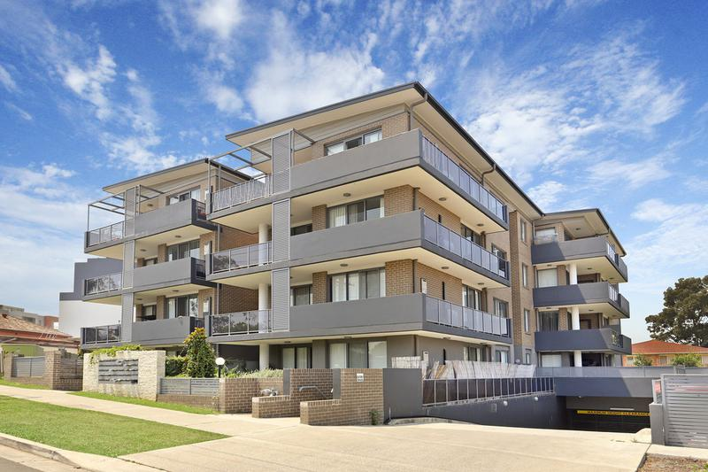 Unit 3, 2- Belinda Place, Mays Hill NSW 2145-1