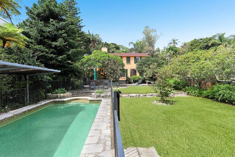 7 Boambillee Avenue, Vaucluse NSW 2030-1