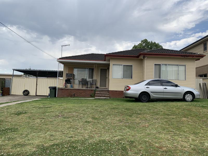 7 Lindsay Avenue, Smithfield NSW 2164-1