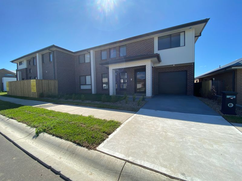 Unit 2/Lot 607 Courtney Loop, Oran Park NSW 2570-1