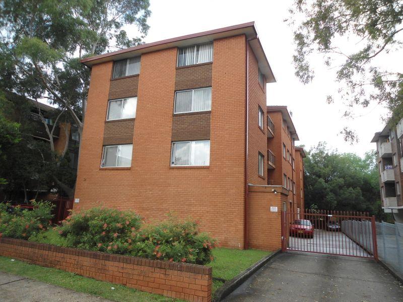 8/34 Goulburn St, Liverpool NSW 2170-1