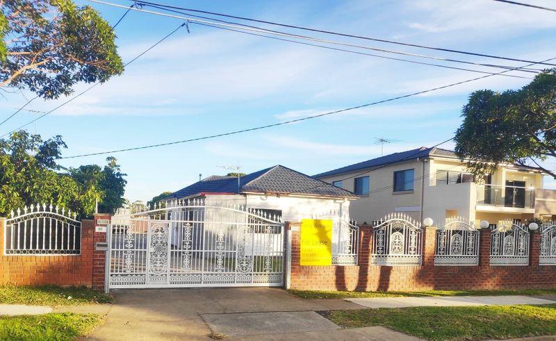 10 VERON Street, Fairfield East NSW 2165-1