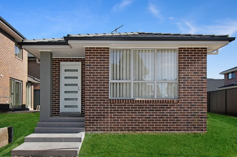 22A Sheen Way, Edmondson Park NSW 2174-1