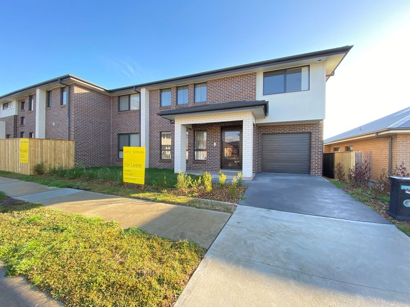 Unit 2/2 Courtney Loop, Oran Park NSW 2570-1