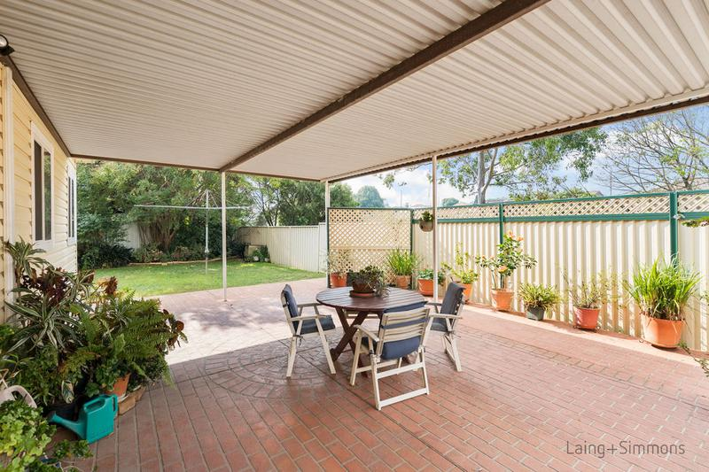 9 Banksia Crescent, Fairfield East NSW 2165-1