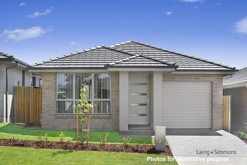 8 Rixon Street, Oran Park NSW 2570-1