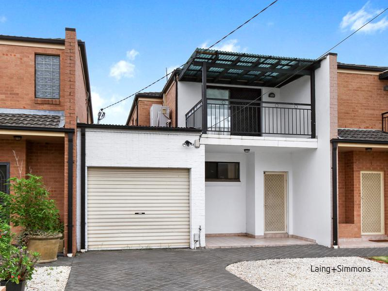 16A The Grove, Fairfield NSW 2165-1