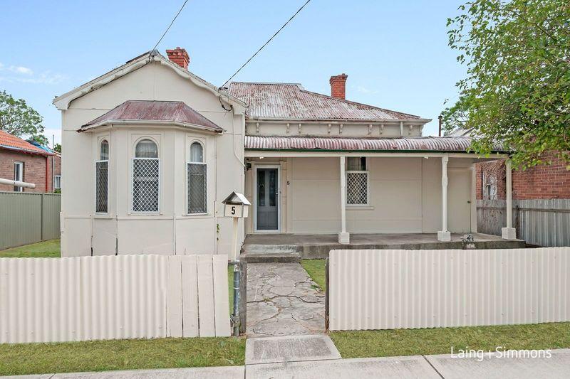 5 Daniel Street, Granville NSW 2142-1