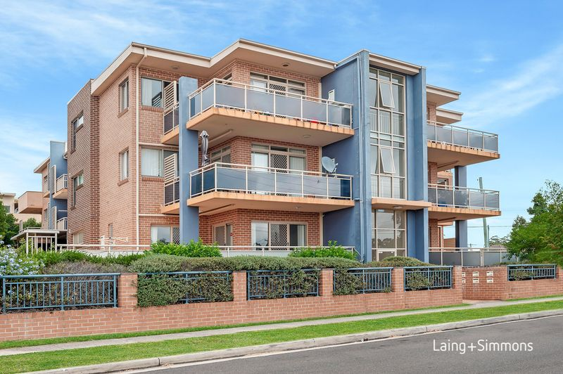 2/64 Cardigan  Street, Guildford NSW 2161-1