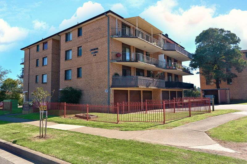 1/1 Innes Crescent, Mount Druitt NSW 2770-1