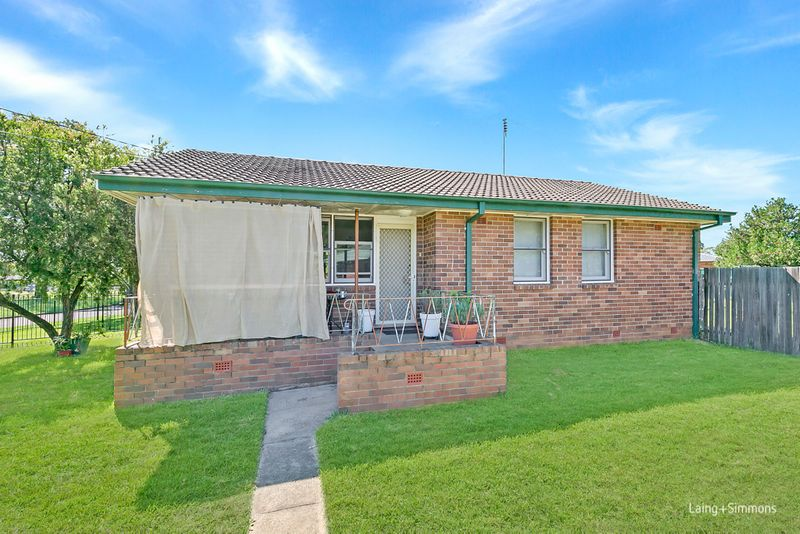 24 Sandakan Crescent, Lethbridge Park NSW 2770-1