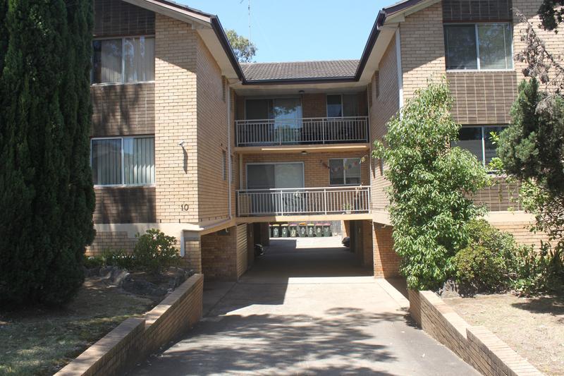 4/10 Chetwynd Road, Merrylands NSW 2160-1