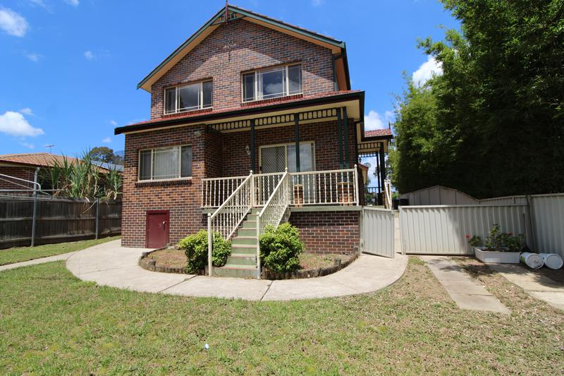 17A Moree Ave, Westmead NSW 2145-1