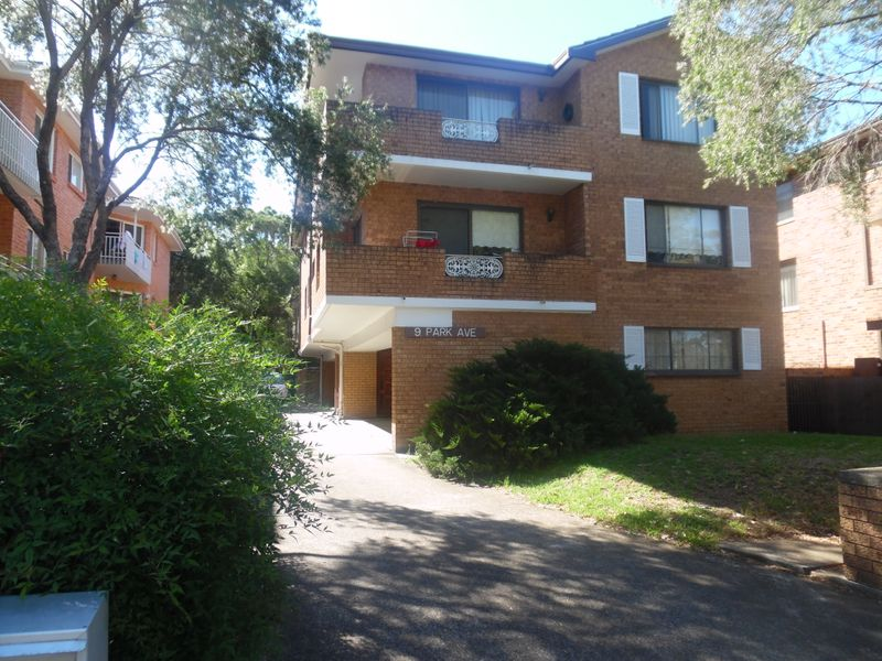 2/9 Park ave, Westmead NSW 2145-1