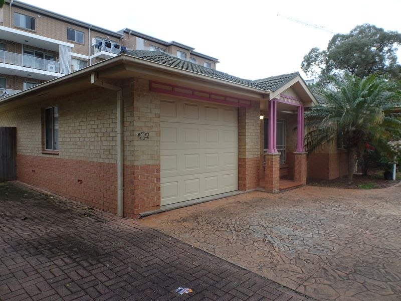 4/196-198 Burnett Street, Mays Hill NSW 2145-1