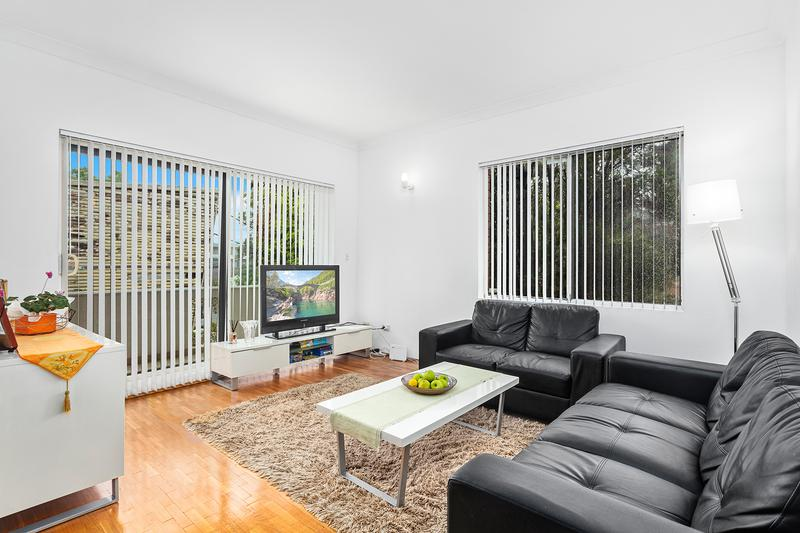1/55 Hampton Court Road, Carlton NSW 2218-1