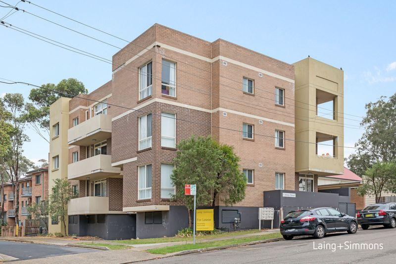 15/1 Amos Street, Westmead NSW 2145-1