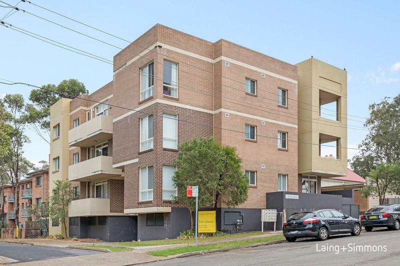 3/1 Amos Street, Westmead NSW 2145-1