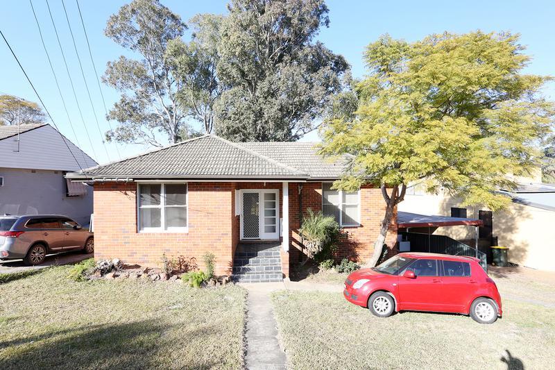 18 Gladys Crescent, Seven Hills NSW 2147-1