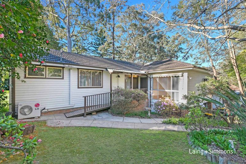 15 Trelawney Street, Thornleigh NSW 2120-1