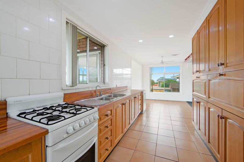 37 Clifton Drive, Port Macquarie NSW 2444-1