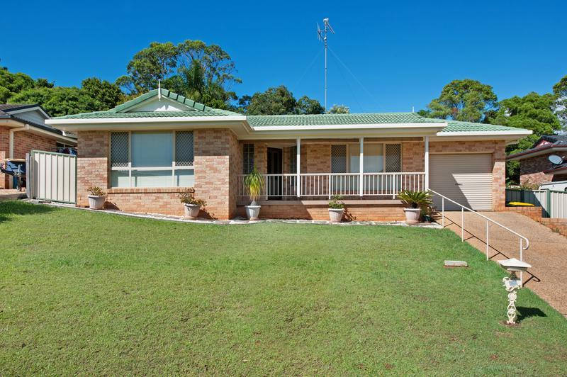 17 Waterlily Walk, Port Macquarie NSW 2444-1