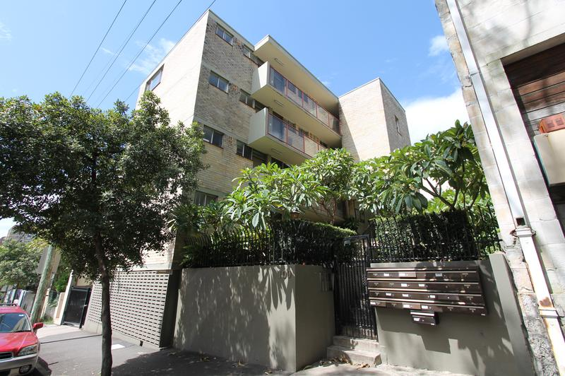 9/100 Brougham Street, Potts Point NSW 2011-1