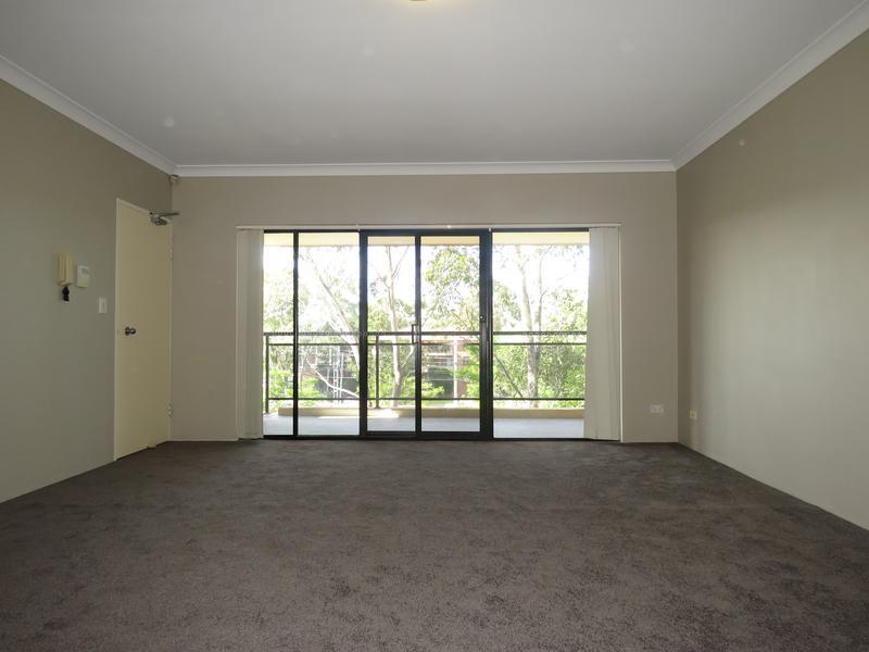 6/8 Alexandra Avenue, Westmead NSW 2145-1