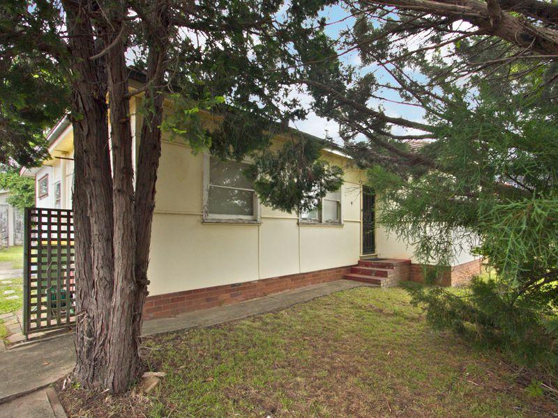 4 Bethel Street, Toongabbie NSW 2146-1