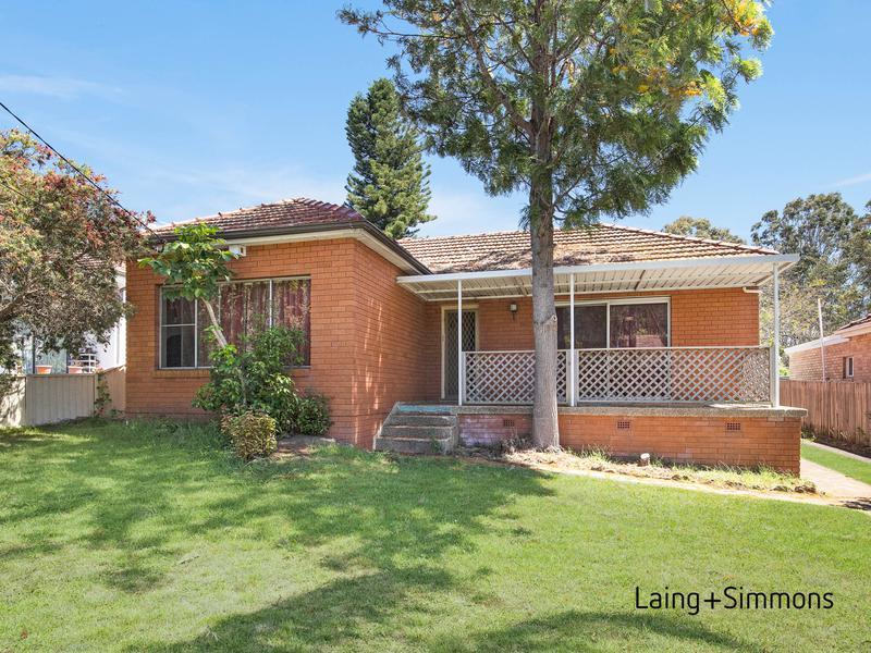 11 Hopkins Street, Wentworthville NSW 2145-1