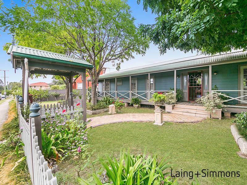 4 Fulton Avenue, Wentworthville NSW 2145-1