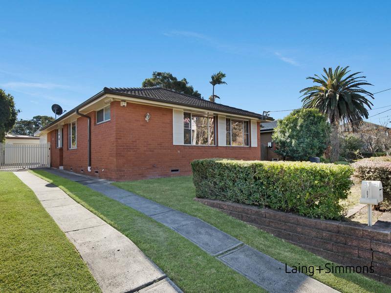 9 Memphis Crescent, Toongabbie NSW 2146-1