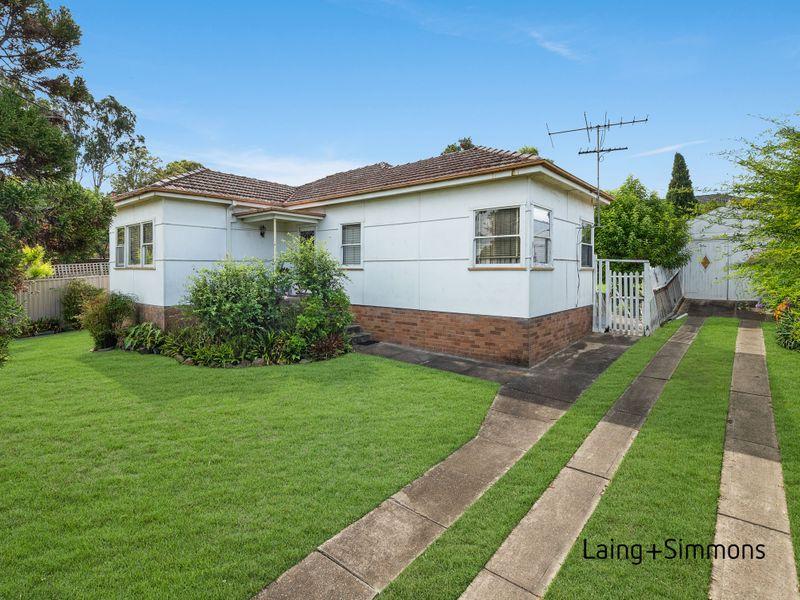 11 Marcia Street, Toongabbie NSW 2146-1