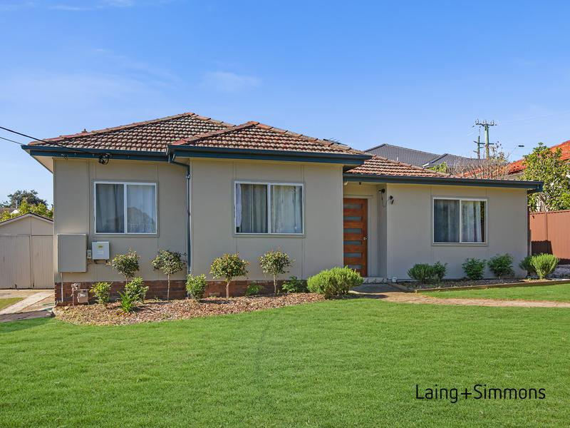55 Scott Street, Toongabbie NSW 2146-1