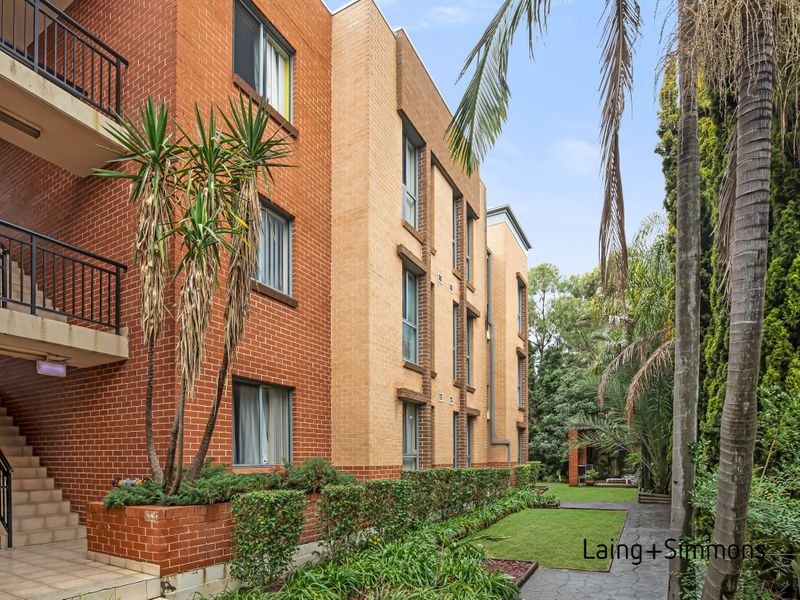 2/30 Railway Terrace, Granville NSW 2142-1