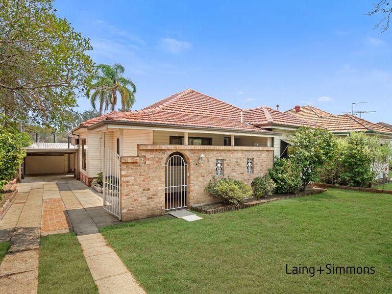 8 Hill Street, Wentworthville NSW 2145-1