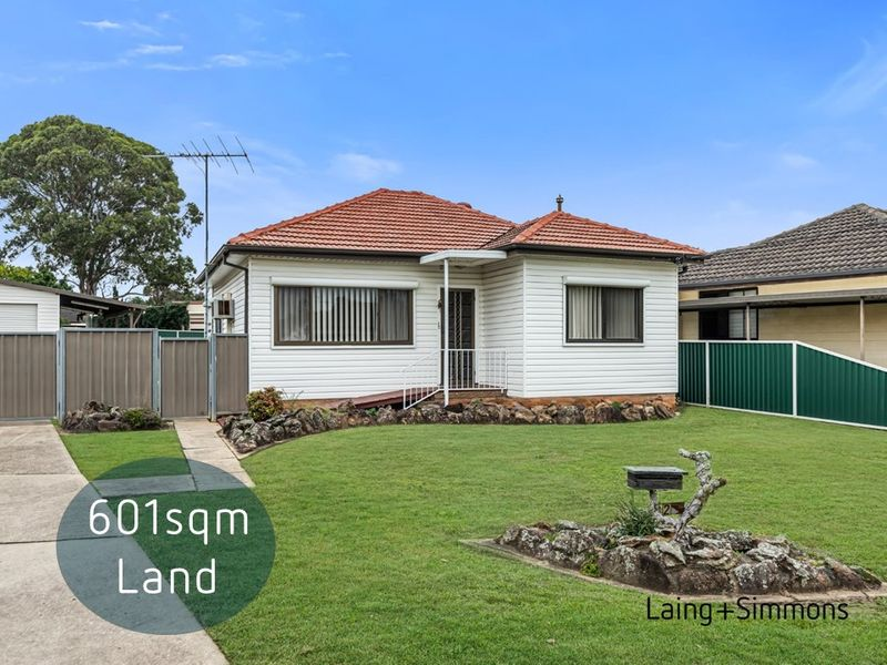 2 Norika Place, Toongabbie NSW 2146-1