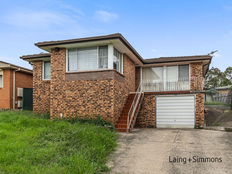 8 St Andrews Boulevard, Casula NSW 2170-1