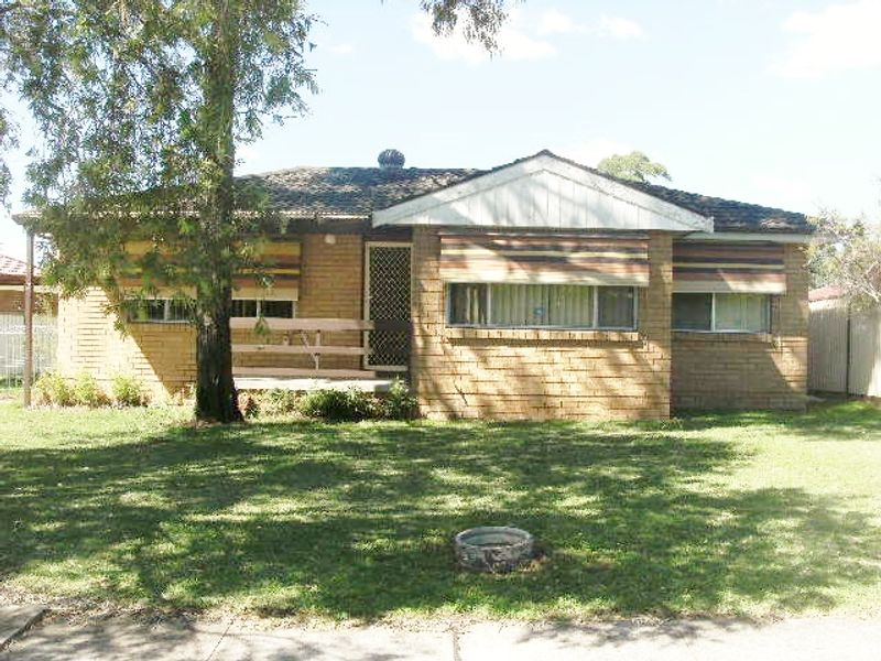 40 Glenfern Street, Bossley Park NSW 2176-1