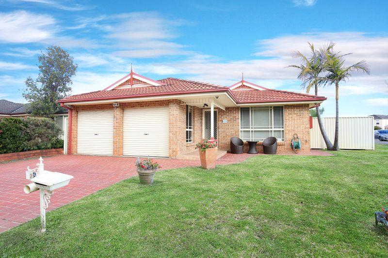 25 Balmoral Circuit, Cecil Hills NSW 2171-1