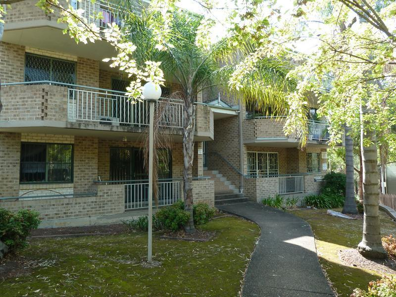 4 3-7 Crown St GRANVILLE NSW 2142-1